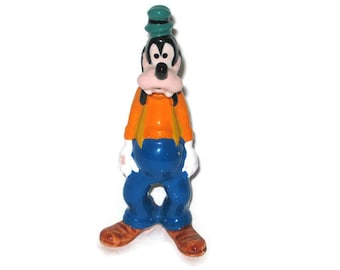 Walt Disney Goofy Dog Figurine Ceramic Figure Porcelain Disney Japan 5.5 inches