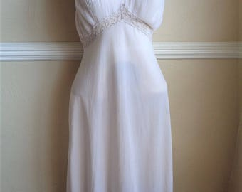 Vintage 1950s Slip with Lace and Sheer Fluted Trim Size 36