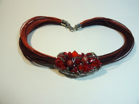 SJC10288 - Vintage red and brown pendant necklace