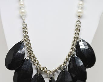 Lovely black and white beaded necklace