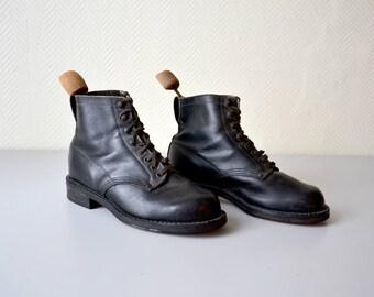 Stivali stivali vintage / coppia di nero scarpe di cuoio / calzature Satana in legno / size 40