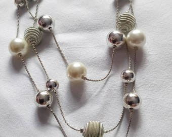 VINTAGE necklace pearl and metal balls , style 1930 elegant