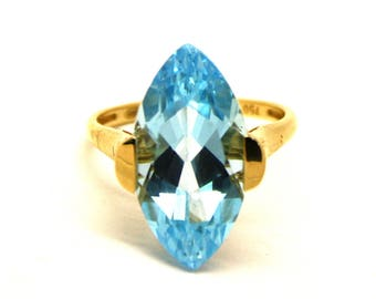 Vintage 18k gold topaz ring