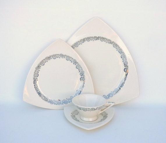 & Atomic Art Deco Dinnerware Salem Tricorne and Streamline in