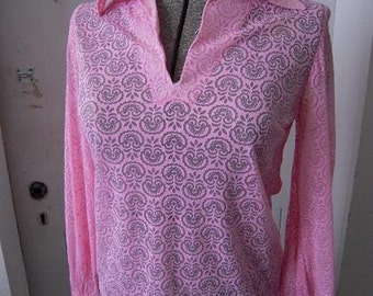 1960s  Unusual Blouse Sheer Knit Cut-out Pink Lace Look Shirt SM MED
