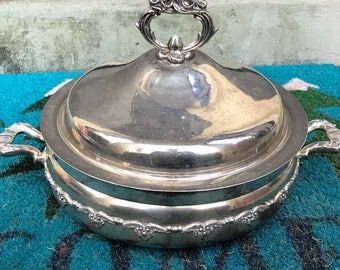 Silver Plated Covered casserole Chafing Dish With 1.5 Quart Pyrex Bowl Forbes Silver Co