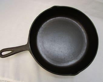 Cast Iron No 8 Skillet 10 5/8 Inch With Heat Ring Vintage Cast Iron Skillet Vintage Cast Iron Cookware