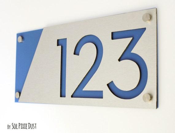 num ros de maison moderne alucobond avec de lacrylique bleu. Black Bedroom Furniture Sets. Home Design Ideas