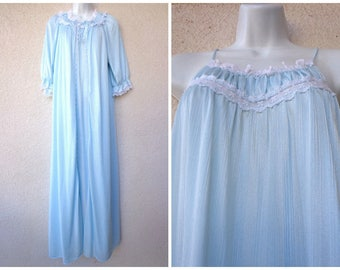 1980s Long NIGHTGOWN & PEIGNOIR SET. Miss Elaine Nightgown and Robe. Silky Nylon Nightgown. Lace Trim. Ice Blue Nightgown and Peignoir. M L