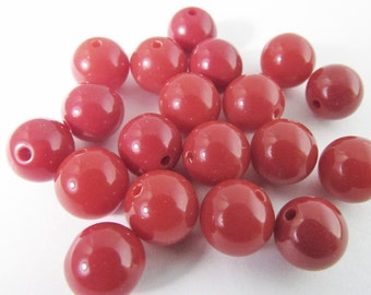 60 Vintage 8mm Red Lucite Beads Bd1744