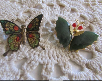 Vintage Pair of Green and Red Butterfly Brooches/Vintage Jade Brooch/Vintage Butterfly Brooches/Vintage Butterfly Pins