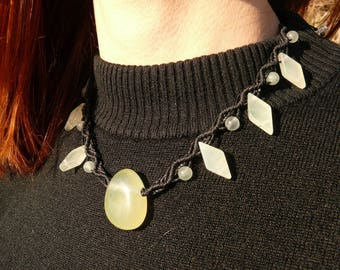 Jade - Stone drilled - macrame necklace