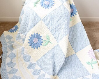 Pastel Floral Throw Quilt