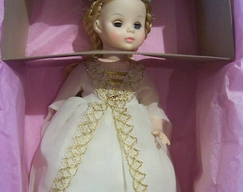 Isolde Madame Alexander 14 in doll MIB