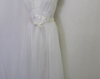 White Nylon Nightgown 1960's Nightgown Lace Nightgown Bridal