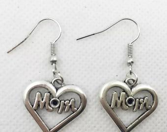 Mom heart earrings  L1