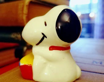 Snoopy Porcelain Figurine United Feature Syndicate inc 1958 1966