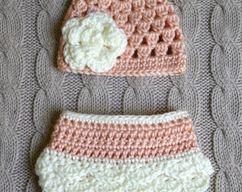Cute Newborn Girl Hat and Diaper Cover in Peach and Off White, Ready to Ship, Baby Shower Present, New Baby Girl, Photo Prop, Flower hat