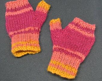 Kids Fingerless Mitts. Age 2-4. Handknitted in UK