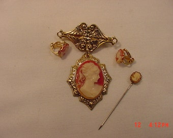 Vintage Cameo Dangling Brooch And Clip On Earring Set  18 - 699