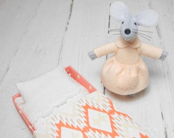 Mothers day stuffed animal mouse in matchbox  felt mice hand made doll miniature animal champagne gift under 25 mom gift