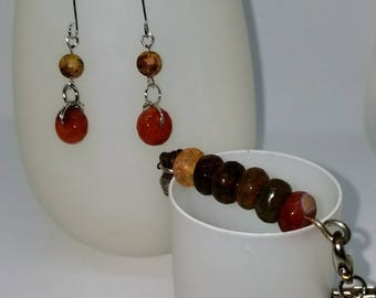 Bracelet and earring set that is casual and comfortable for daily wear.