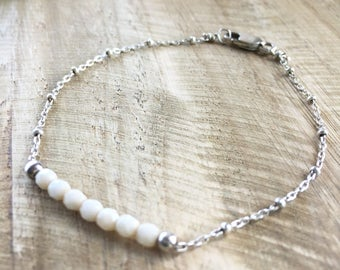 layering bracelet - silver with cream beads // dainty, minimalist, simple