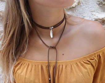 Suede Brown Feather necklace silver