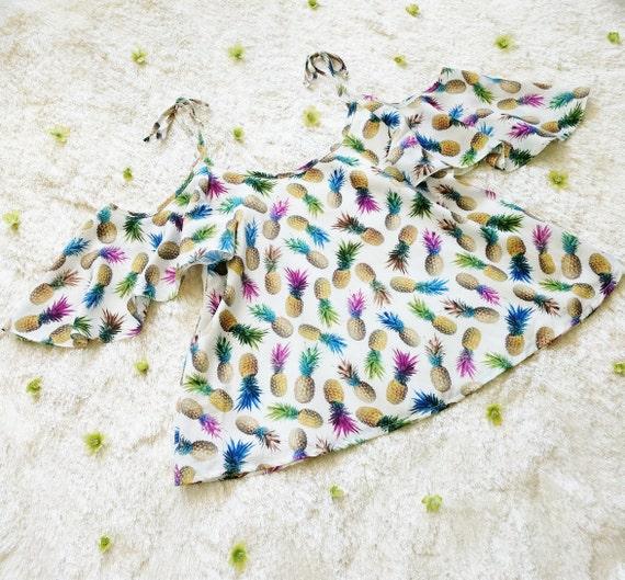 Medium Sienna Cold Shoulder Top / Exclusive Rainbow Pineapple Print