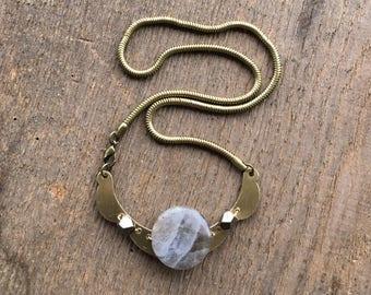 brass necklace / collar / stone necklace / LABRADORITE & BRASS