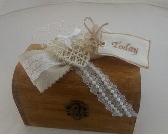 wooden wedding ring box bridesmaid gift box hessian lace pearl