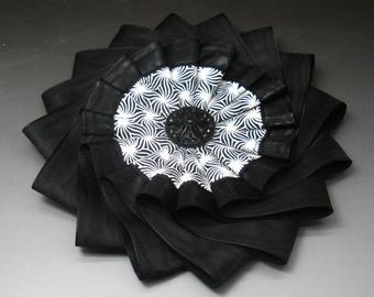 Black and White Layered Wheel Cocarde Applique