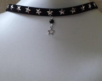 """collier ras de cou """"ruban noir et étoile"""""""