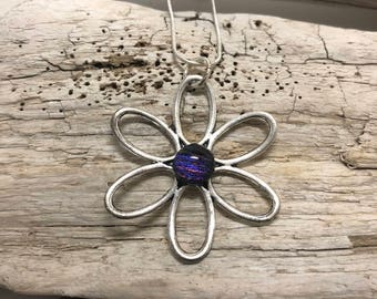 dichroic glass pendant, fused glass, flower pendant, daisy pendant, handmade, dichroic glass, dichroic glass jewerly, glass, glass jewelry