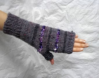 Gray- purple fingerless gloves