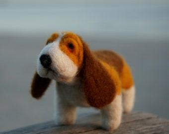 Needle felted basset hound, needle felted dog, needle felted animal, wool felt, needle felting, dog figurine, basset hound figurine, cute