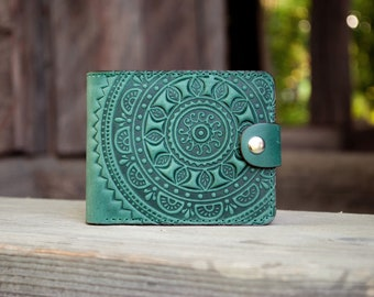 "Leather Handcrafted Green Wallet ""Ethno"" 