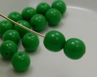 8mm Czech Druk Beads Round Opaque Green (15pk) si-8DK-OpGreen