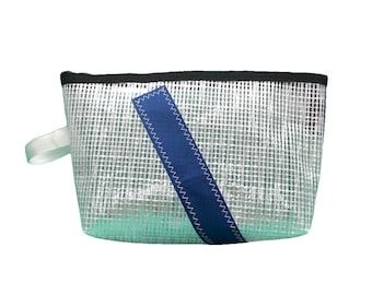 Toilet bag made of recycled sailcloth mylar 1