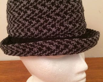 Womens Hat Houndstooth Black & Gray Taiwan One Size Acrylic Polyester Vintage