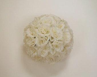 "9"" Ivory flowerball"