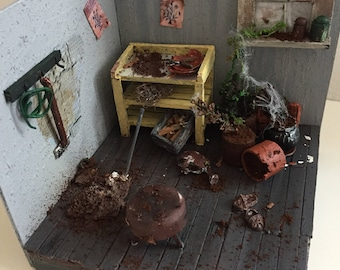 Miniature lost place forgotten garden-forgotten garden diorama