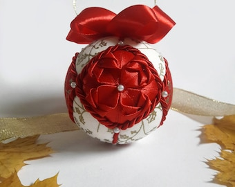 Quilted Christmas Ornament Ball Bauble -  red and gold