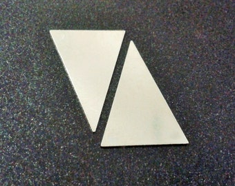 20 Pcs Silver Tone Color 16,5 x 25 mm ( No  Holes ) Triangle Stamping Findings , Connectors