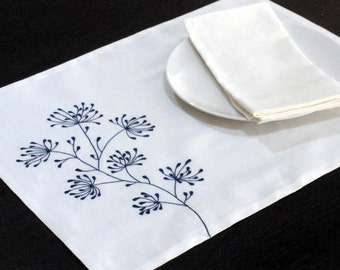 White Linen Placemat, White Linen Blue Floral Embroidery, Placemat set of 4,Fabric Placemat, Embroidered Table linen, Wedding Gift, Tabletop
