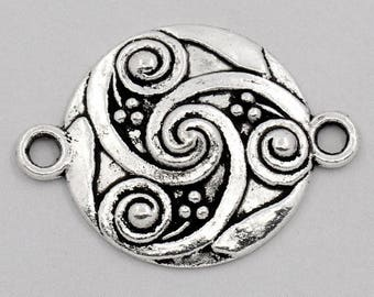 4 round connector silver metal with scroll motif, 28x21mm engraved tracery