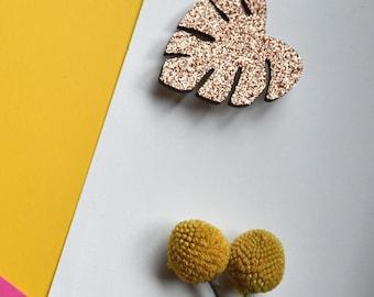 gold glitter monstera leaf pretty brooch