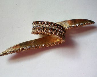Rare Marcel Boucher Le Couturier Gold tone Loop Pin - 5309
