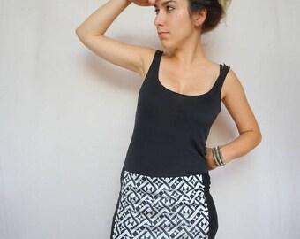 mini skirt black and white geometric pattern