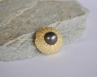 chunky sea urchin pendant in 18k yellow gold, diamonds and Tahiti pearl